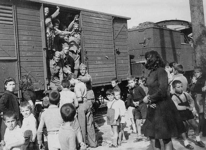 Οκτώβριος 1940: «Βασειληκει Φροντισαι για την Μητερα Ναμι Στεναχοριεται. Περιμενο γραμασου…»