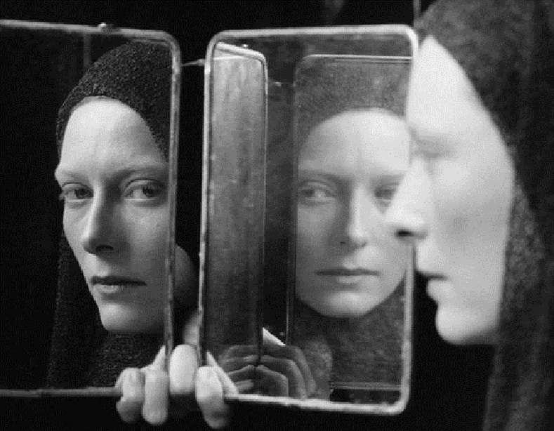 Sylvia Plath, «Ο καθρέφτης»