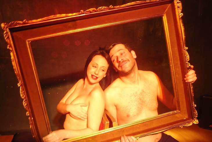 «Το ελεύθερο ζευγάρι». Ντάριο Φο σε ένα πλακιώτικο θέατρο που κλείνει 40 χρόνια λειτουργίας