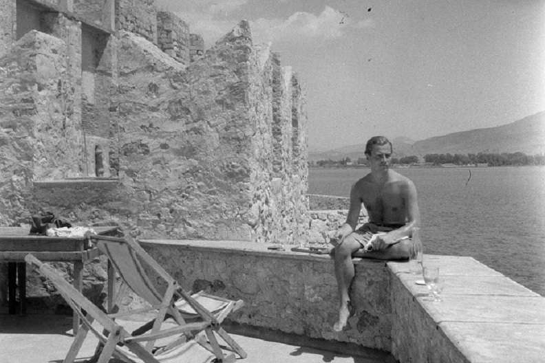 Στο Μουσείο Μπενάκη, ο ασπρόμαυρος έρωτας της Τζόαν Λη Φέρμορ για τον Πάτρικ και την Ελλάδα