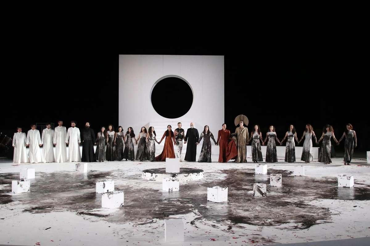 Το τραγούδι του θρήνου της «Ηλέκτρας» στην Επίδαυρο από τον Θάνο Παπακωνσταντίνου
