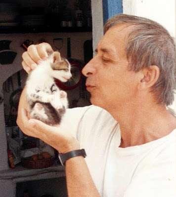 Γειτονιά με γάτες – Αντώνης Σουρούνης