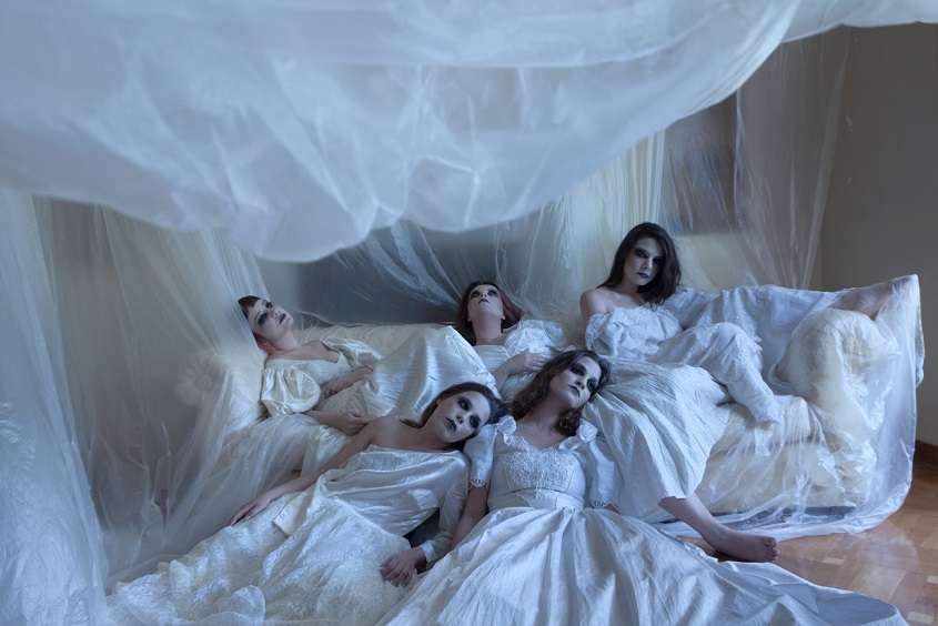 «Γυναίκες από χώμα» από τον Κοραή Δαμάτη και τη θεατρική ομάδα Ανδρομέδα στον  Πολυχώρο Vault