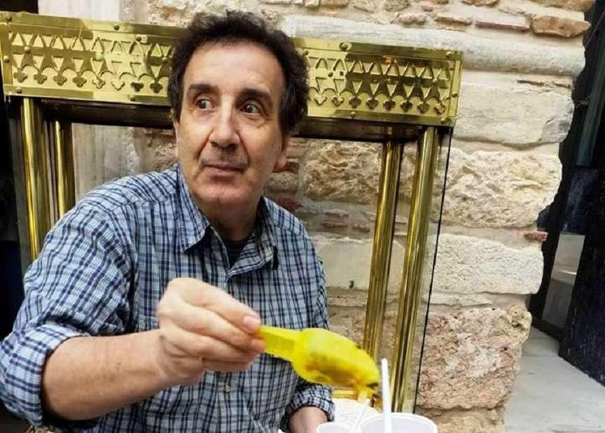 Ο Άγγελος Παπαδημητρίου μας δίνει τη γνήσια συνταγή για κόλλυβα και μας μυεί στους συμβολισμούς τους