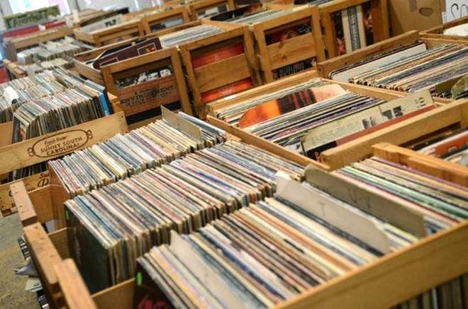 Vinyl Market τον Οκτώβριο στην Τεχνόπολη Δήμου Αθηναίων
