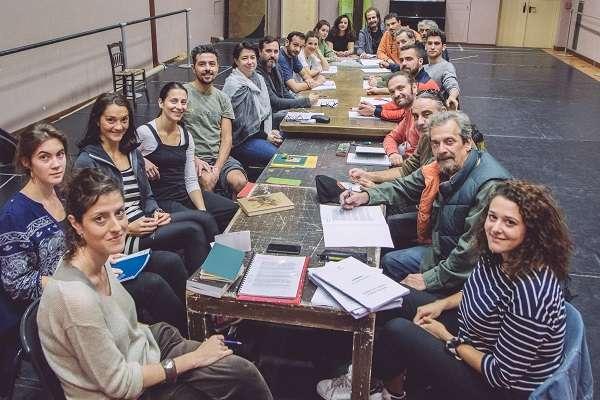 Ξεκίνησαν οι πρόβες για την παράσταση «Πυρκαγιές» του Ουαζντί Μουαουάντ στο Βασιλικό Θέατρο