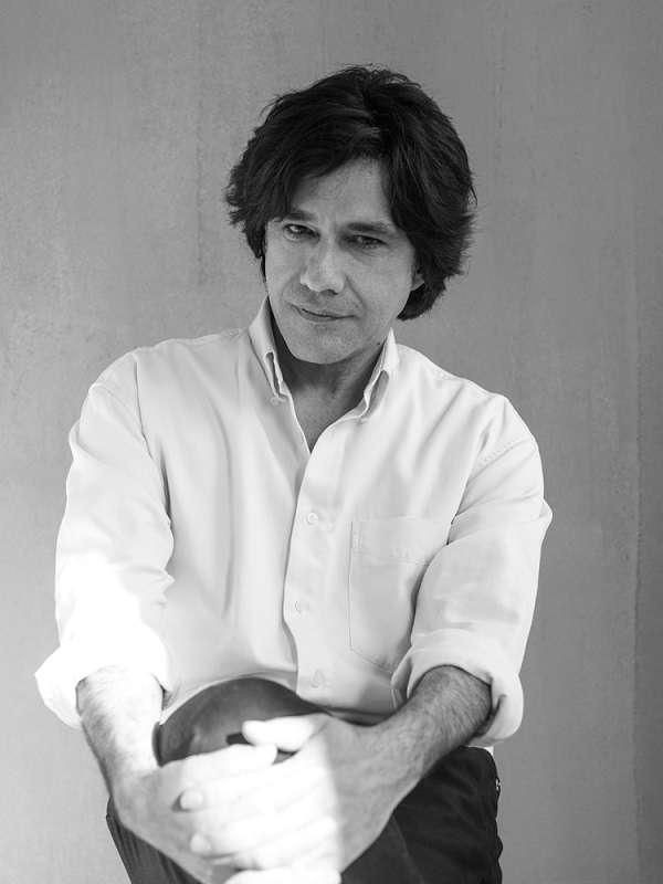 Κυκλοφορεί το νέο μυθιστόρημα του Αλέξη Σταμάτη «Ο άντρας της πέμπτης πράξης»