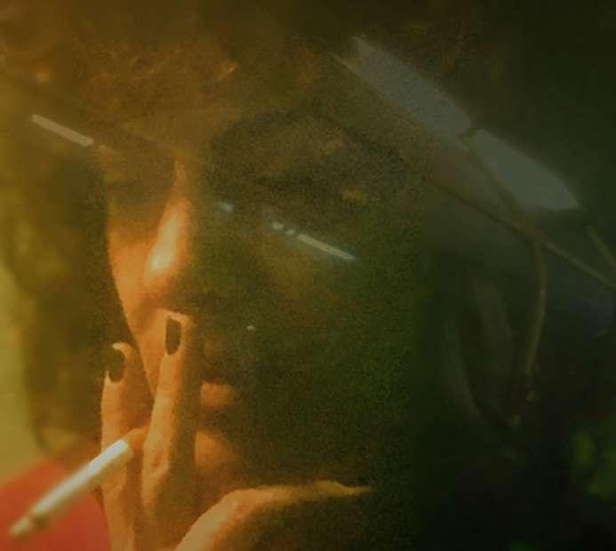 Στα «Καπνοτόπια» η Γιούλα Μπούνταλη με οκτώ αναμνήσεις και ένα μονόλογο της Σιμόν Βέιλ