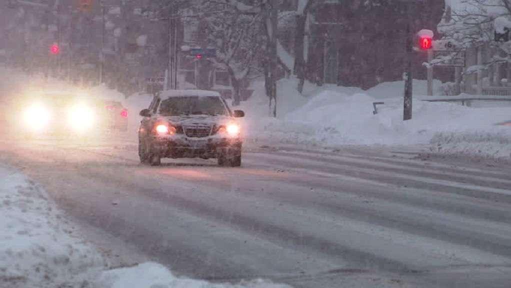 Στον Καναδά αντιμετωπίζουν τα χιόνια με αλάτι επεξεργασμένο με άμμο αλλά και… με παντζαρόζουμο