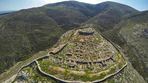 …Αναζητώντας τον γεωλογικό θησαυρό της νήσου Σύρου