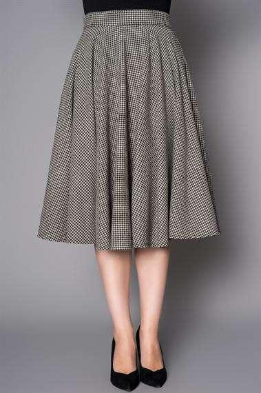 245dd831da0 D/Δ Drop weist: Η τάση του φορέματος με χαμηλή γραμμή μέσης, στην αρχή τον  γοφών. Drop shoulder: Τοπ με χαλαρή λαιμόκοψη, που μπορούμε να την  τραβήξουμε ...