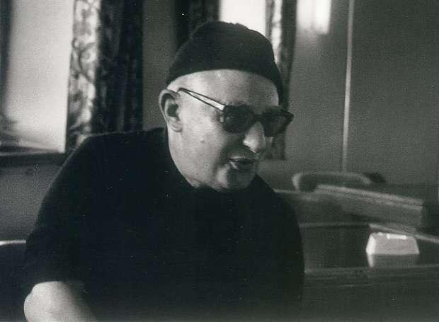 Σπάνιο υλικό για τον αρμενιστή ποιητή Νίκο Καββαδία από τον Μιχάλη Γελασάκη