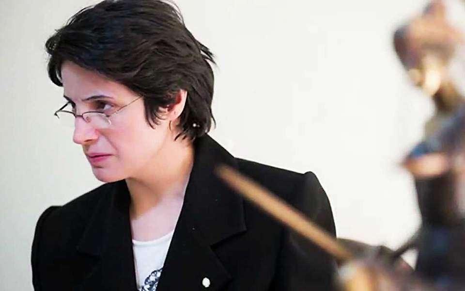 Σε 38 χρόνια κάθειρξη και 148 μαστιγώσεις καταδικάστηκε στο Ιράν η δικηγόρος των ανθρωπίνων δικαιωμάτων, Νασρίν Σοτουντέχ