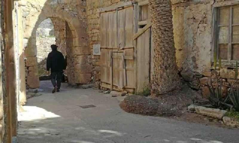 «Απόκοπος ή Σπιναλόγκα». Το ντοκιμαντέρ του Πάνου Καρκανεβάτου στο Μουσείο Μπενάκη της Πειραιώς