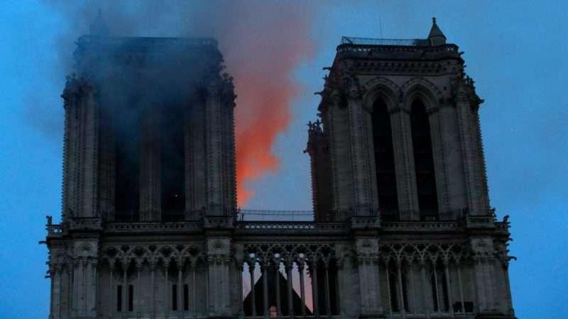 """16 Απριλίου 2019. Η Παναγία των Παρισίων μετά την καταστροφή σε 28 πρωτοσέλιδα με ένα """"κλικ"""""""