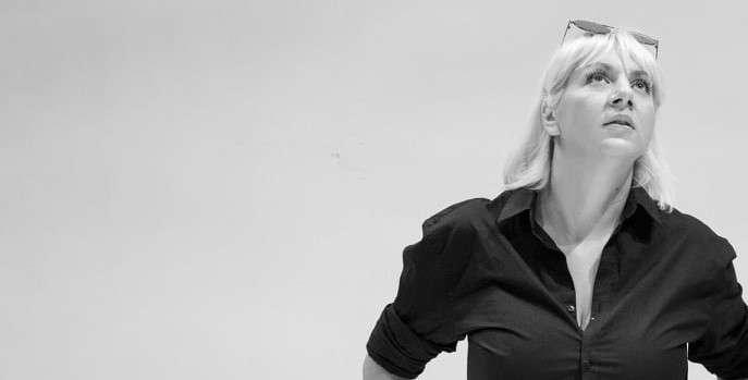 Στέλλα Κάλτσου: Τα φώτα λένε τη δική τους ιστορία…
