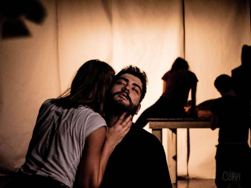 """""""Η τραγωδία μέσα μας"""". Θεατρική παράσταση και έκθεση θεατρικής ενδυματολογίας, εικαστικών και φωτογραφίας"""