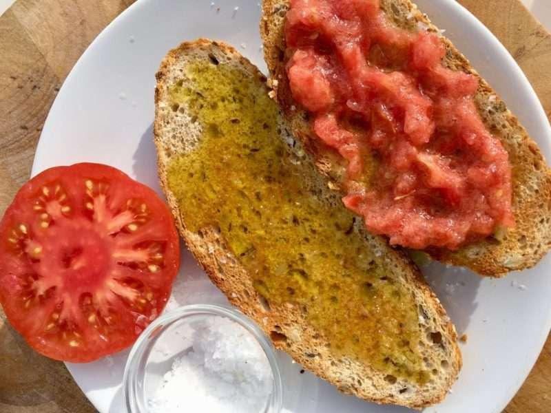 """Pan con tomate κι άλλες """"ανήθικες συνταγές"""" από τον Montalbán"""