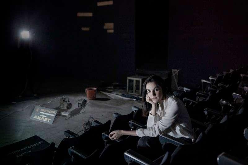 """«Άμλετ» στο ιστορικό «Αμφι-θέατρο»: Η Κατερίνα Ευαγγελάτου επιστρέφει στο """"σπίτι"""" της"""
