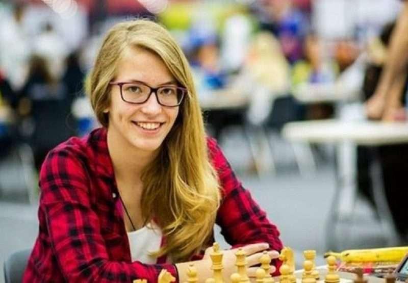 Σταυρούλα Τσολακίδου: Η παγκόσμια πρωταθλήτρια στο σκάκι κέρδισε και υποτροφία για τις ΗΠΑ