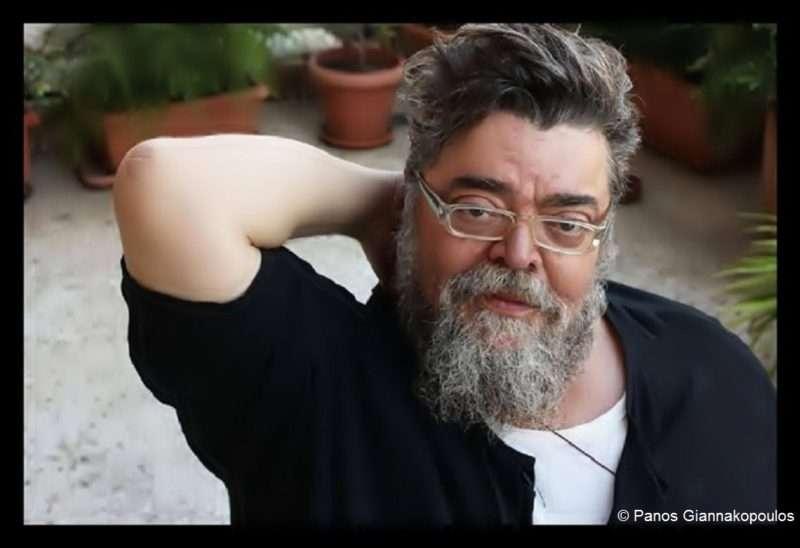 Σταμάτης Κραουνάκης: «Σηκωθείτε! Τα παλιά σας φιλιά θυμηθείτε! Σηκωθείτε! Στα αισθήματα παραδοθείτε!»