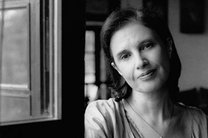 Καλλιόπη Εξάρχου: Λογοτεχνία είναι η τέχνη να γίνεται λέξεις ο πόνος και μάλιστα χωρίς να εξαντλείται ποτέ