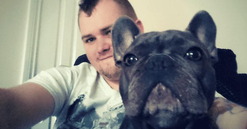 """Σκύλος άφησε την τελευταία του πνοή 15 λεπτά μετά τον """"αποχαιρετισμό"""" του κηδεμόνα του"""