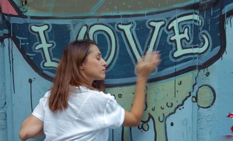 Μαριάννα Πολυχρονίδη. «Commedia d' amore», μια ωδή στην κωμωδία του έρωτα