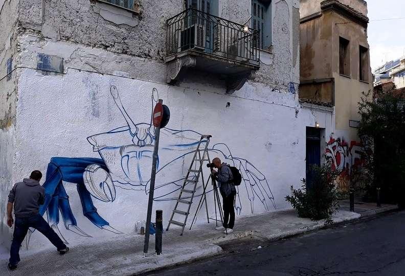 Μικρό Παρίσι των Αθηνών 2019.  Δείτε εδώ το πλήρες πρόγραμμα. Τις πρώτες πινελιές έβαλε ο «Etien»