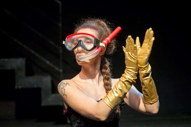 """Το έργο """"ΚΒΑΝΤΑ"""" της Χριστίνας Χριστοφή επανέρχεται στο θέατρο ΜΠΙΠ"""