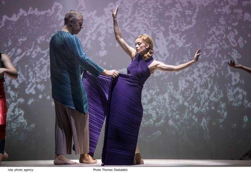 """Θεαματική έναρξη για το """"Χορό της Φωτιάς"""" – μια παράσταση για τον Πόντο από τον Άρη Μπινιάρη"""