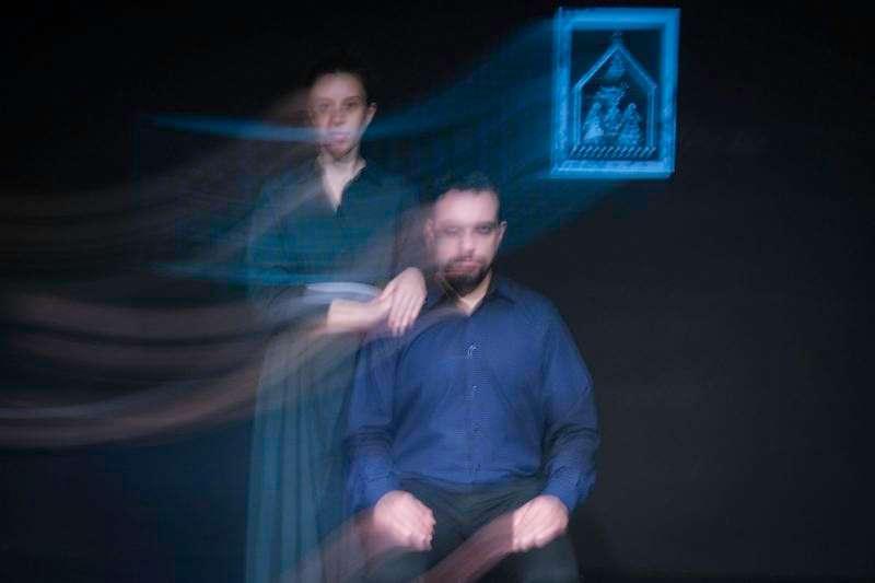 Ο Λάμπρος του Διονυσίου Σολωμού από την Ομάδα ΑΤΟΝΑλ στο Θέατρο του Νέου Κόσμου