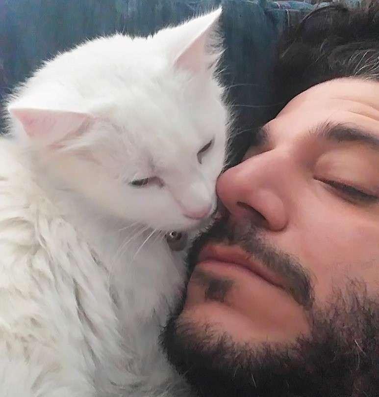Χρήστος Κοντογεώργης: Ο γάτος μου είναι το σπίτι μου