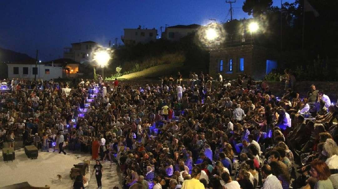 Φεστιβάλ Άνδρου. Πέφτει η αυλαία με «Μήδεια», «Αρσενικό και παλιά δαντέλα» και «Βαφτιστικό»…