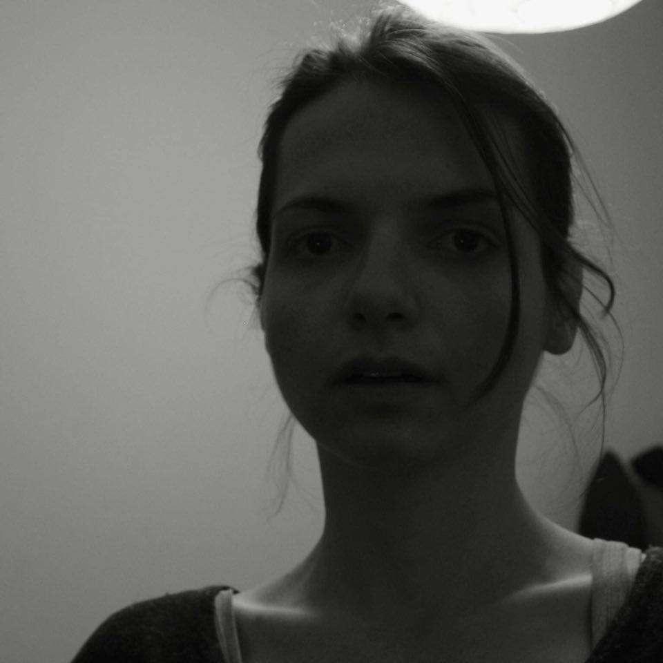Αμαλία Βλάχου: Ο καναπές είναι η φυλακή μας