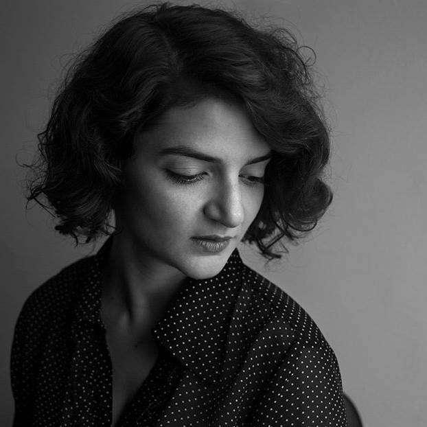 Μαρία Μοσχούρη: Το βασικό εμπόδιο της γενιάς μου είναι η δυσκολία της να ενηλικιωθεί