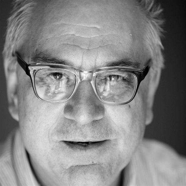 Δημήτρης Δημητριάδης: Η Αριστερά ως ψευδαίσθηση και η Δεξιά ως βλακεία αυτό- και αλληλο- αναιρούνται