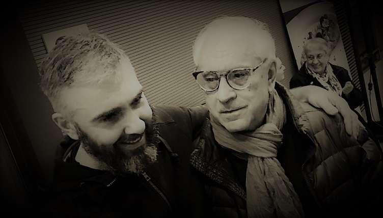 """Ο συγγραφέας Δημήτρης Δημητριάδης με τον ηθοποιό Δαυίδ Μαλτέζε στην πρεμιέρα της παράστασης """"Τρωάς"""""""